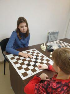 Руководитель шахматного кружка уверен, что турниры должны проводиться не по возрастным признакам, а по навыкам.