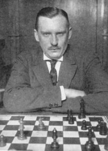 Шахматист Алехин был гражданином мира, потому что родины у него не было.