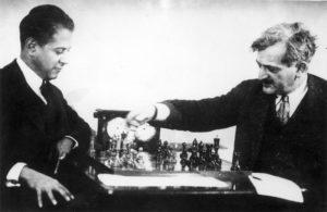 Капабланка против Ласкера - как побеждают гении. Переходи, узнай  об истории игры!