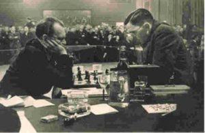 Макс Эйве никогда не простил Алехину его реванша. После войны он был главным обвинителем шахматного короля в сотрудничестве с фашистами