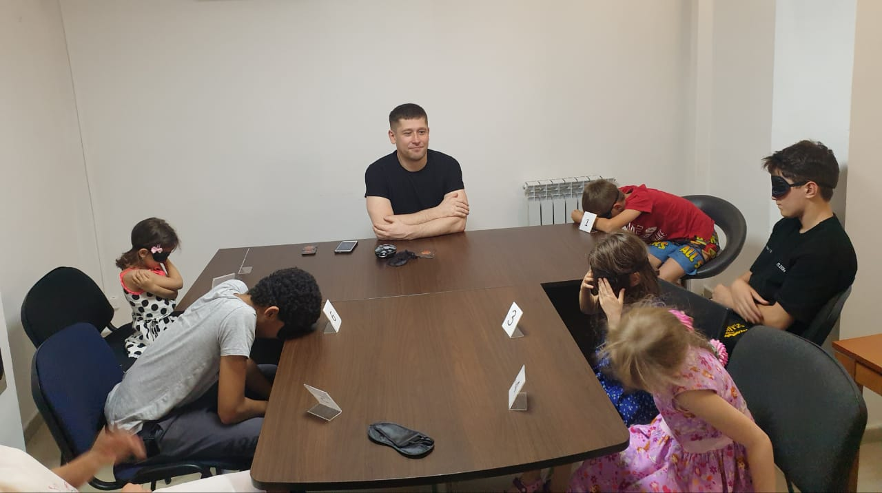 You are currently viewing Игра «Мафия» для детей в образовательном центре